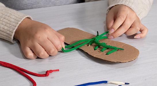 Kinder Schuhe binden - Tipps - Kinder Schuhe binden | Tipps Schnürsenkel Ratgeber